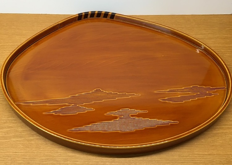 飛騨春慶塗りのはまぐり盆