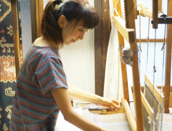 上田紬職人小岩井カリナさんの画像